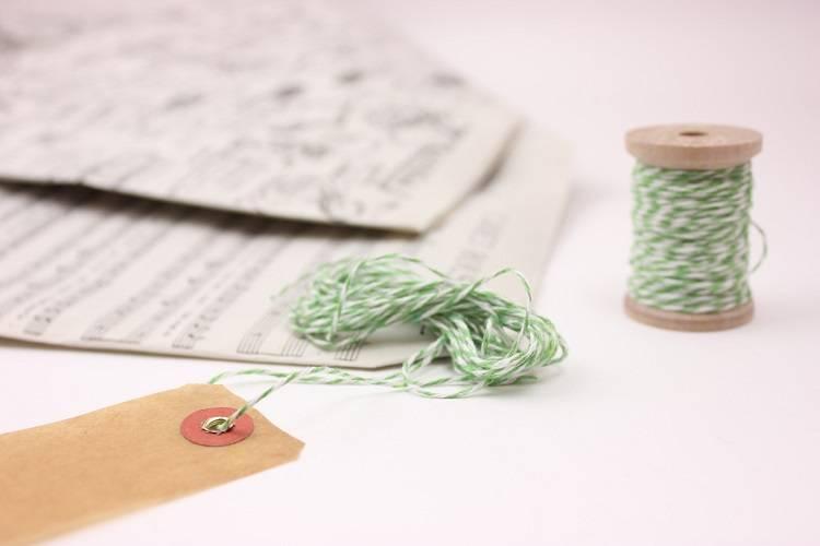 緑×白の木綿糸