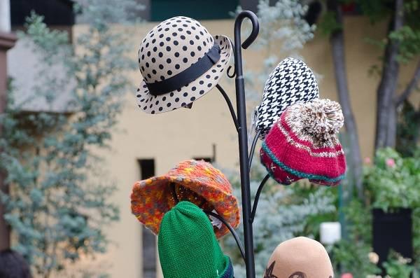帽子のディスプレイ