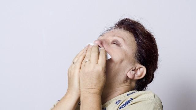 鼻の下ヒリヒリ