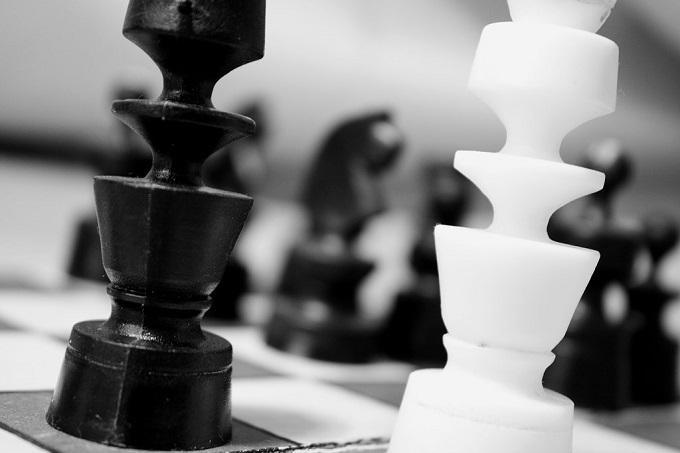 チェスで白黒つけよう
