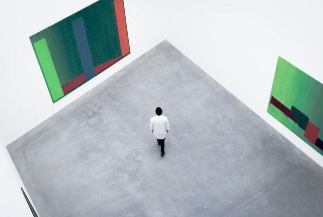 彩られた壁