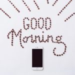 「GOOD Morning」コーヒー豆とスマホ