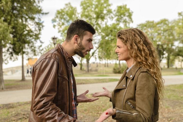 「売り言葉に買い言葉」で険悪になるのを防ぐ3つの対処法