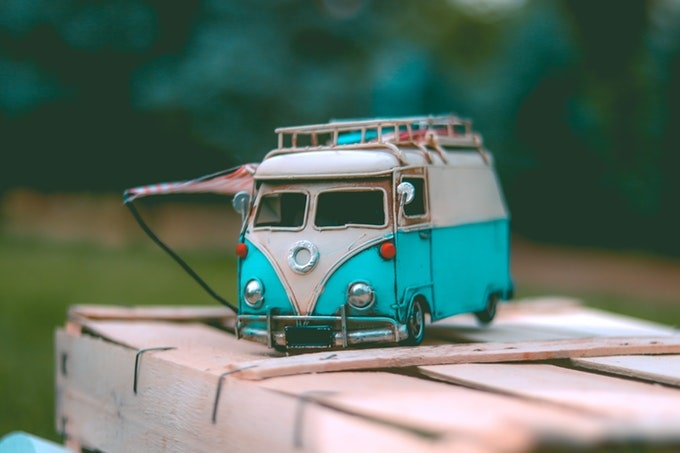 ワーゲンバスモデルのミニカー